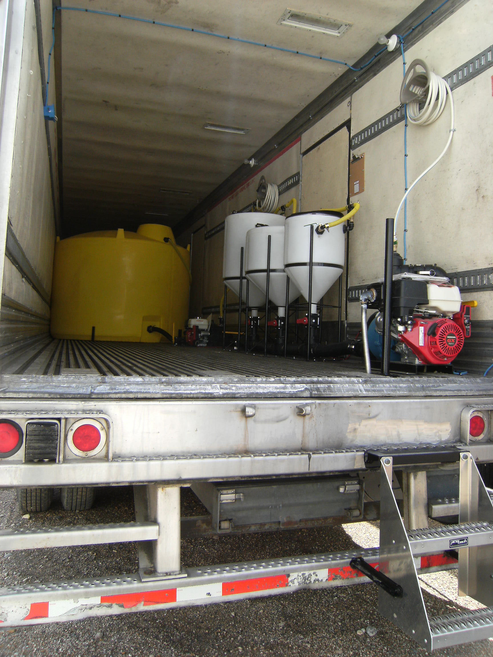 Viewing a thread - Sprayer/chemical loading pad, shed, set ups?